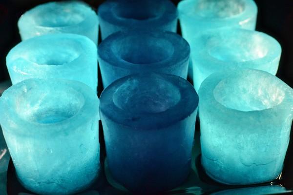Come creare bicchierini da shot di ghiaccio