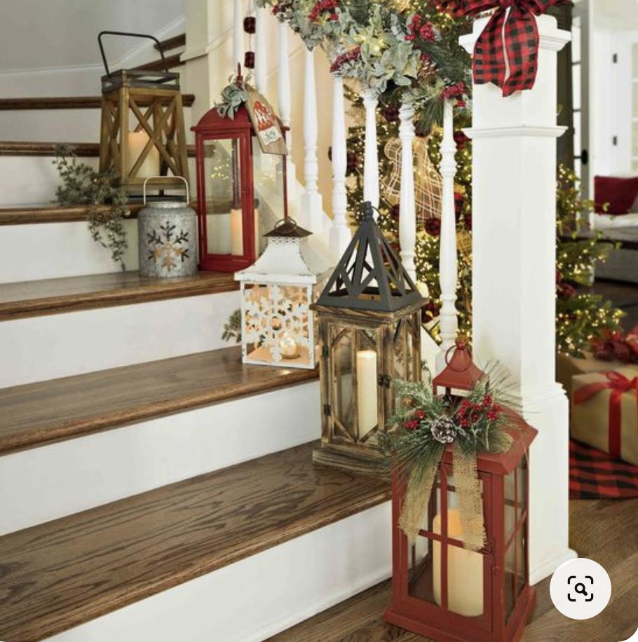 gradini decorati con lanterne