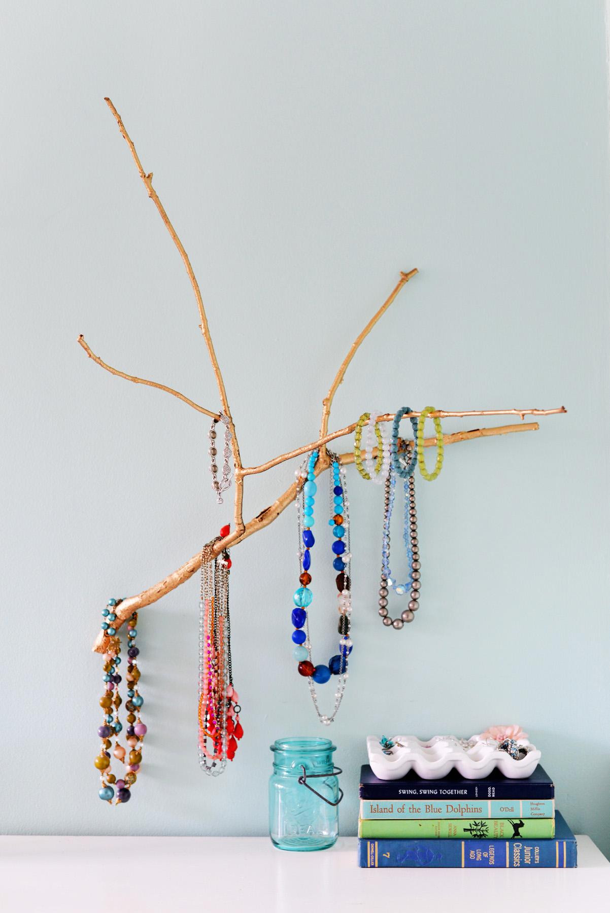 Porta gioielli creato con un ramo