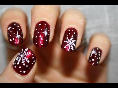 Unghie per Natale: 13 idee creative in versione nail art