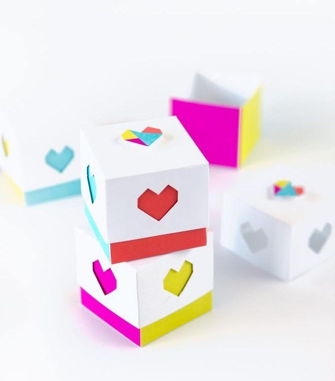 Blocchetti di carta fai da te con cuore per San Valentino